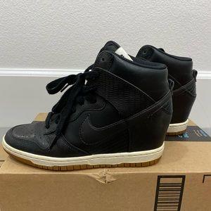 Black Nike high dunk 7